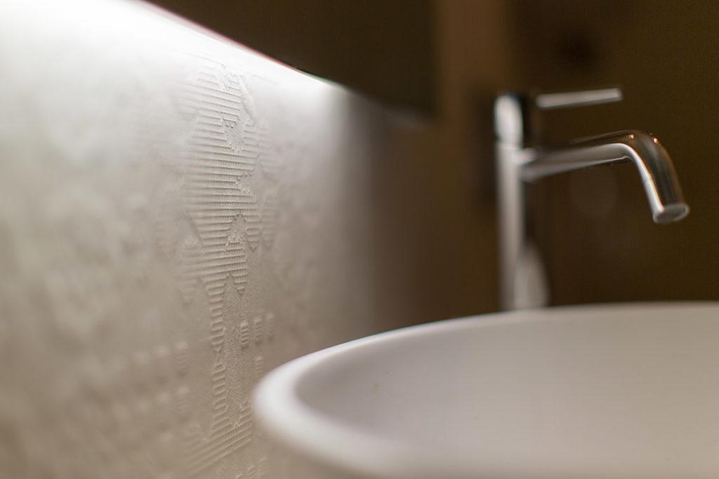 Dettaglio rubinetto bagno