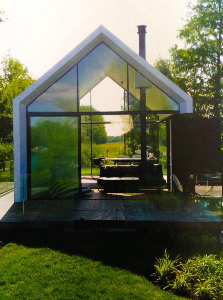 Casa in legno con vetrata panoramica ( dettaglio)