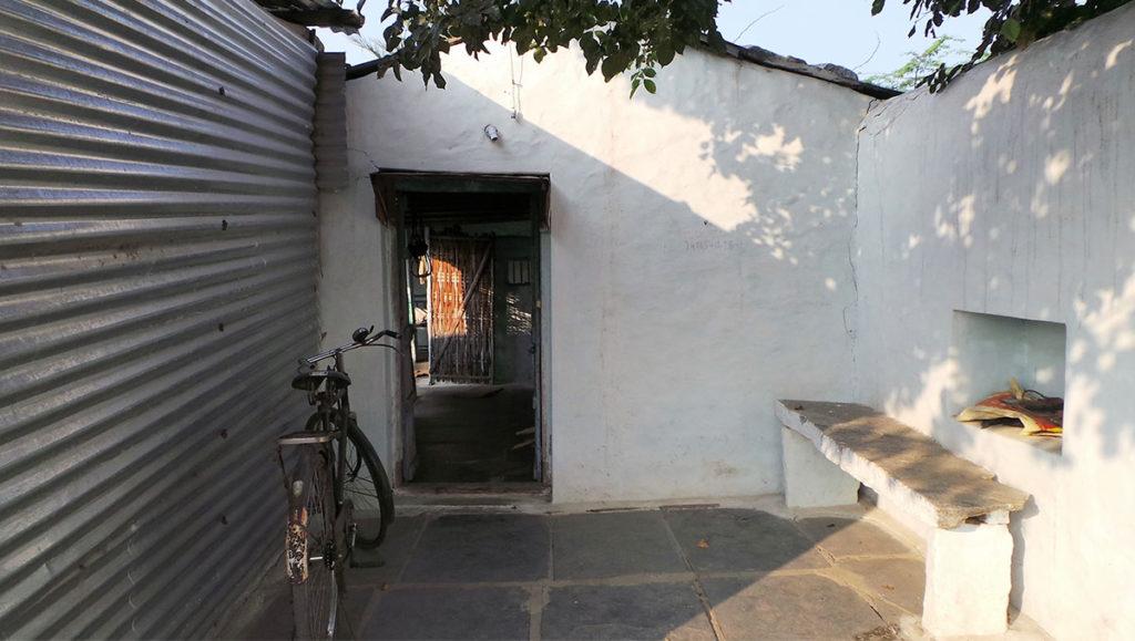 Architettura spazio interno con bicicletta