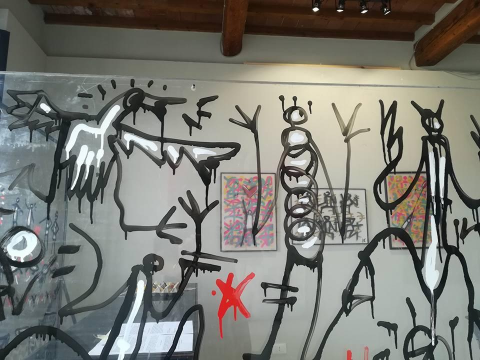 Galleria d'arte Uovo alla Pop: exit enter exibition